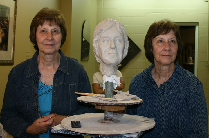 portrait sculpture demo of sharon and Karon by Ohio Artist Terri Meyer