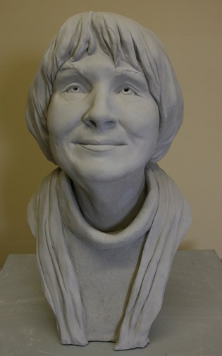 portrait sculpture of Peg Vasil by Ohio Artist Terri Meyer